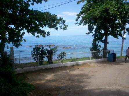 our walk down toward the beach rincon